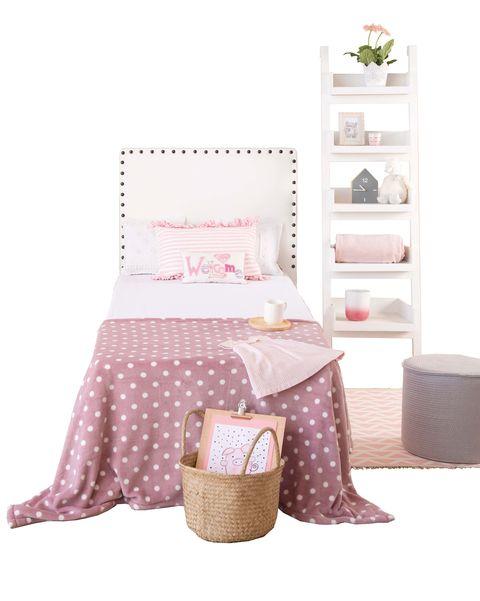 dormitorio juvenil cama y estantería blanca