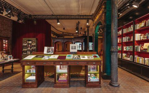 La Nueva Librería De Gucci Wooster Te Va A Enamorar