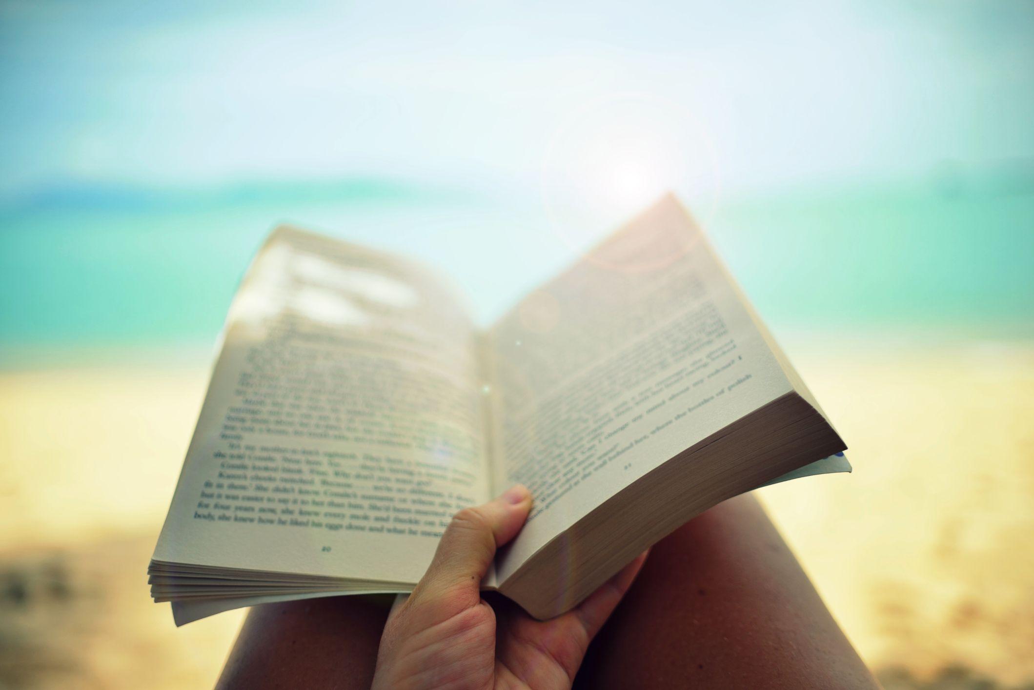 7 libri da leggere assolutamente ad agosto