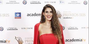 Lidia Torrent estrena nueva imagen sin gafas en la alfombra roja de los Premios Iris 2018.
