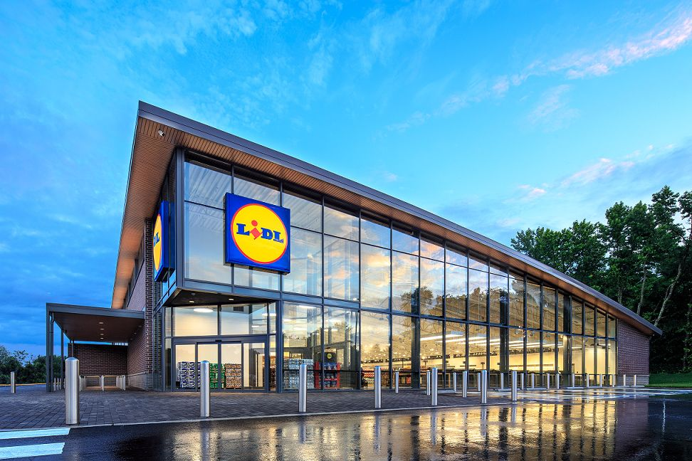 This New German Grocery Store Is A Mix Between Aldi And Costco