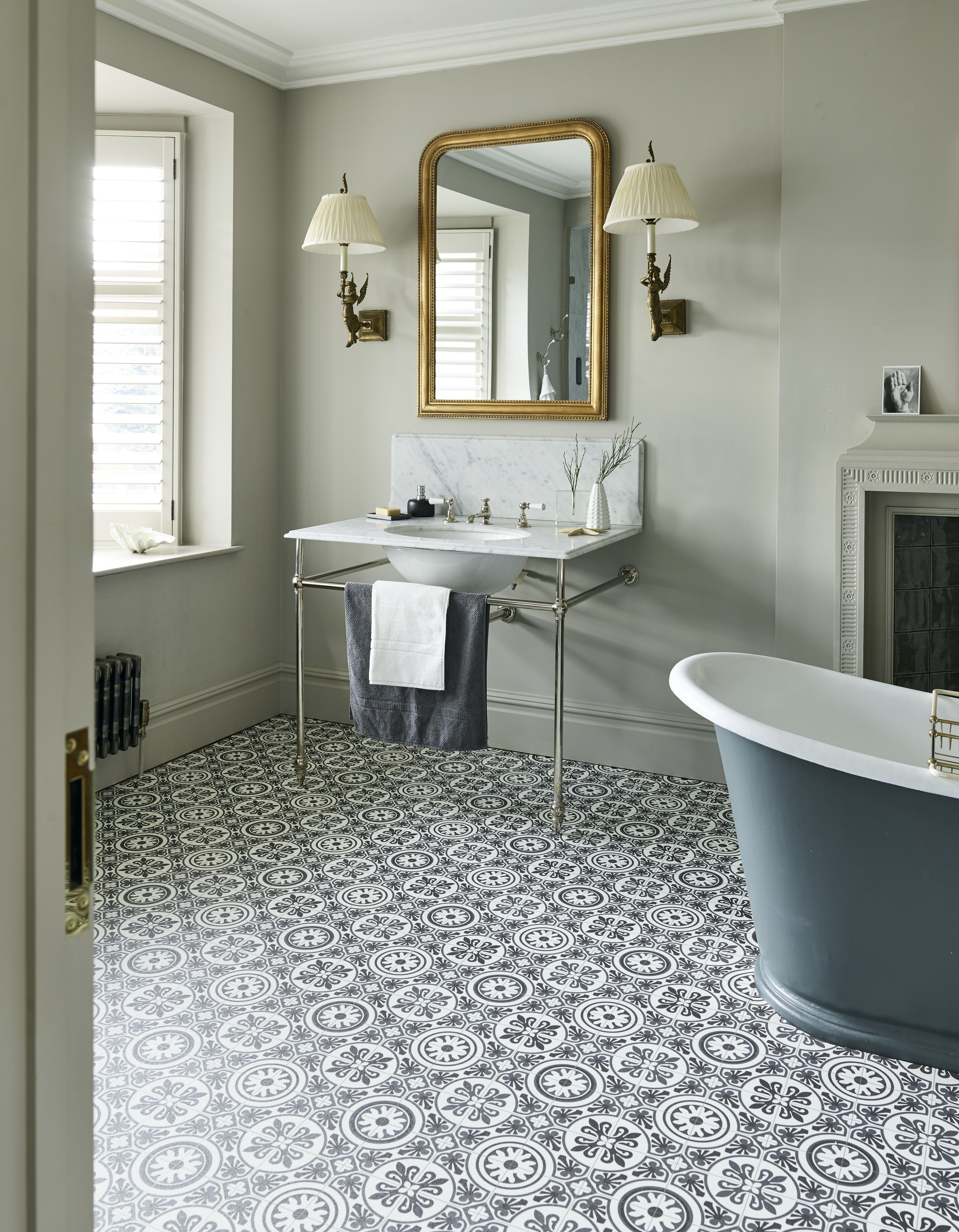 16 Country Bathroom Ideas To Inspire, Country Living Bathrooms