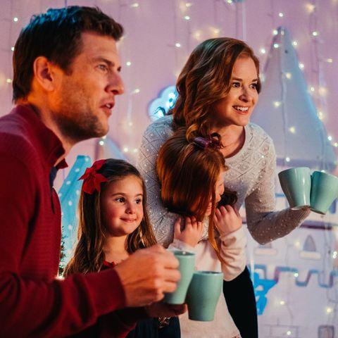 Lifetime Christmas Movies 2019 Schedule Cast Lists And It S A Wonderful Lifetime Movie Details