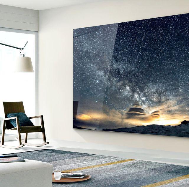 再也不想下床了啦!三星推出超巨大219吋電視,裝在房間牆上追劇一整天就報廢