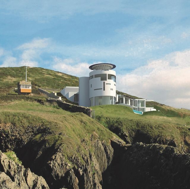 lighthouse grand designs, edward short, chesil cliff house for sale in croyde north devon
