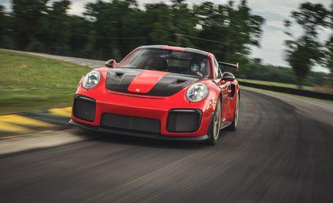 Lightning Lap All-Time Showdown: Chevrolet Corvette vs. Porsche 911!