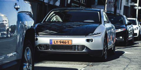 lightyear coche solar