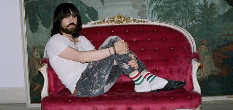 Leg, Sitting, Pink, Footwear, Human body, Shoe, Thigh, Foot,