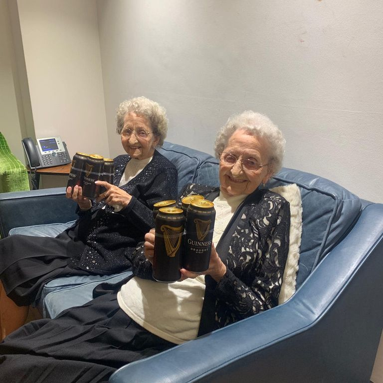 """These 95-Year-Old Twins Say """"No Sex And Plenty Of Guinness"""" Are Their Keys To A Long Life"""