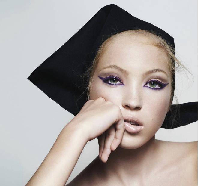 Lila Grace, hija de Kate Moss, lanza su primera campaña como modelo para  Marc Jacobs ddc5a2ce72