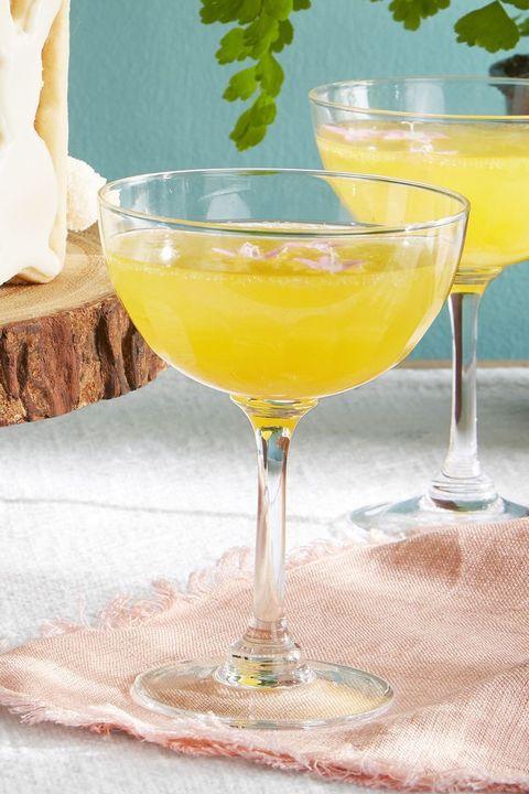 lillet sprtiz cocktail