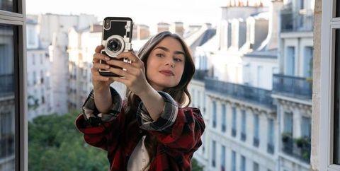 netflix エミリー、パリへ行く リリー・コリンズ