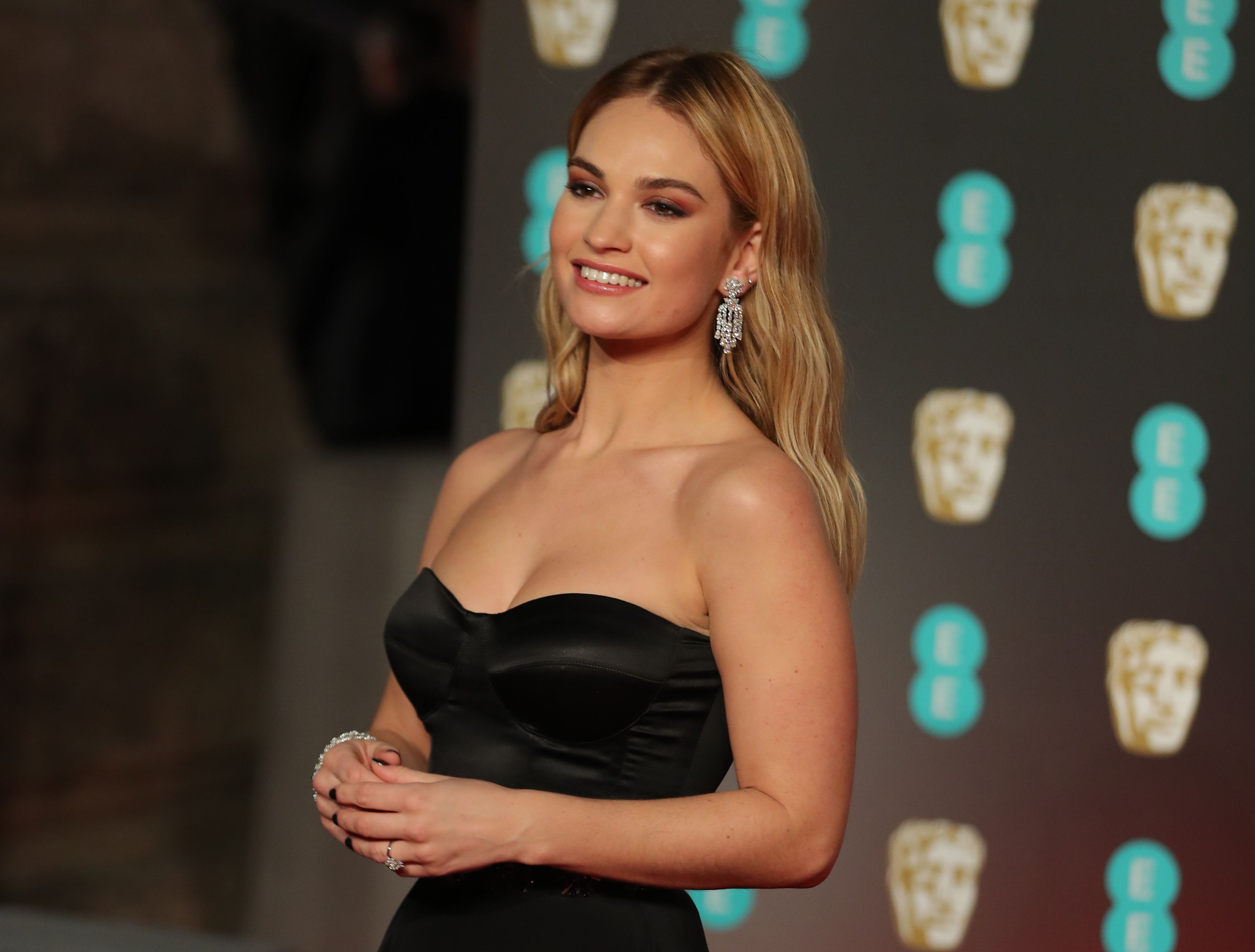 Hacked Lily James nude photos 2019