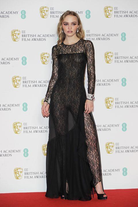 第73回英国アカデミー賞(BAFTA2020)のレッドカーペット速報、リリー=ローズ・デップ
