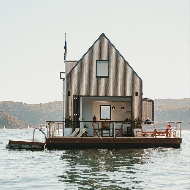 private floating villa australia
