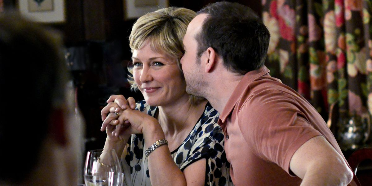 Blue Bloods Amy Carlson Hints Linda Reagan Is Alive
