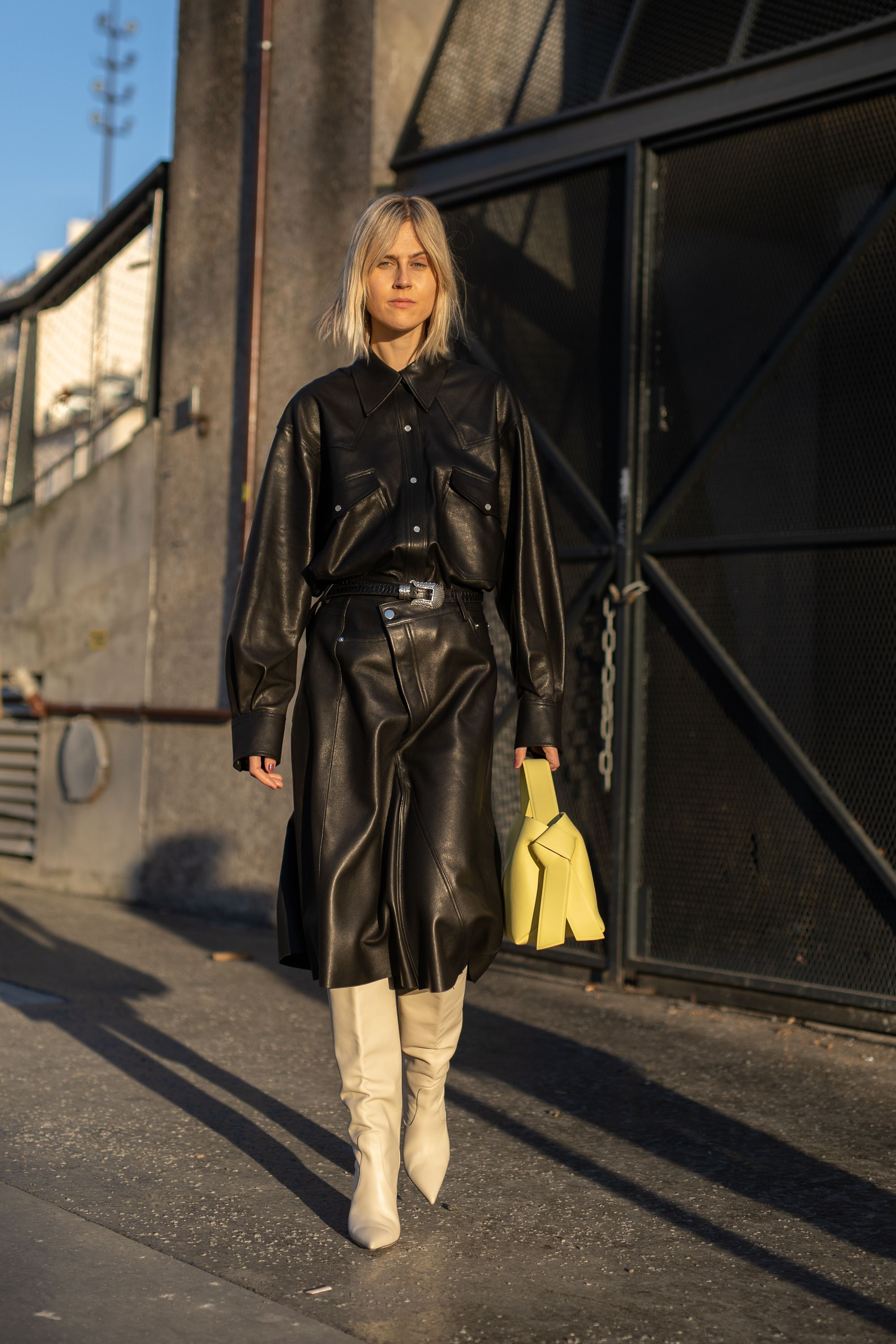 Street Style - Paris Fashion Week Womenswear Fall/Winter 2019/2020 : Day Two