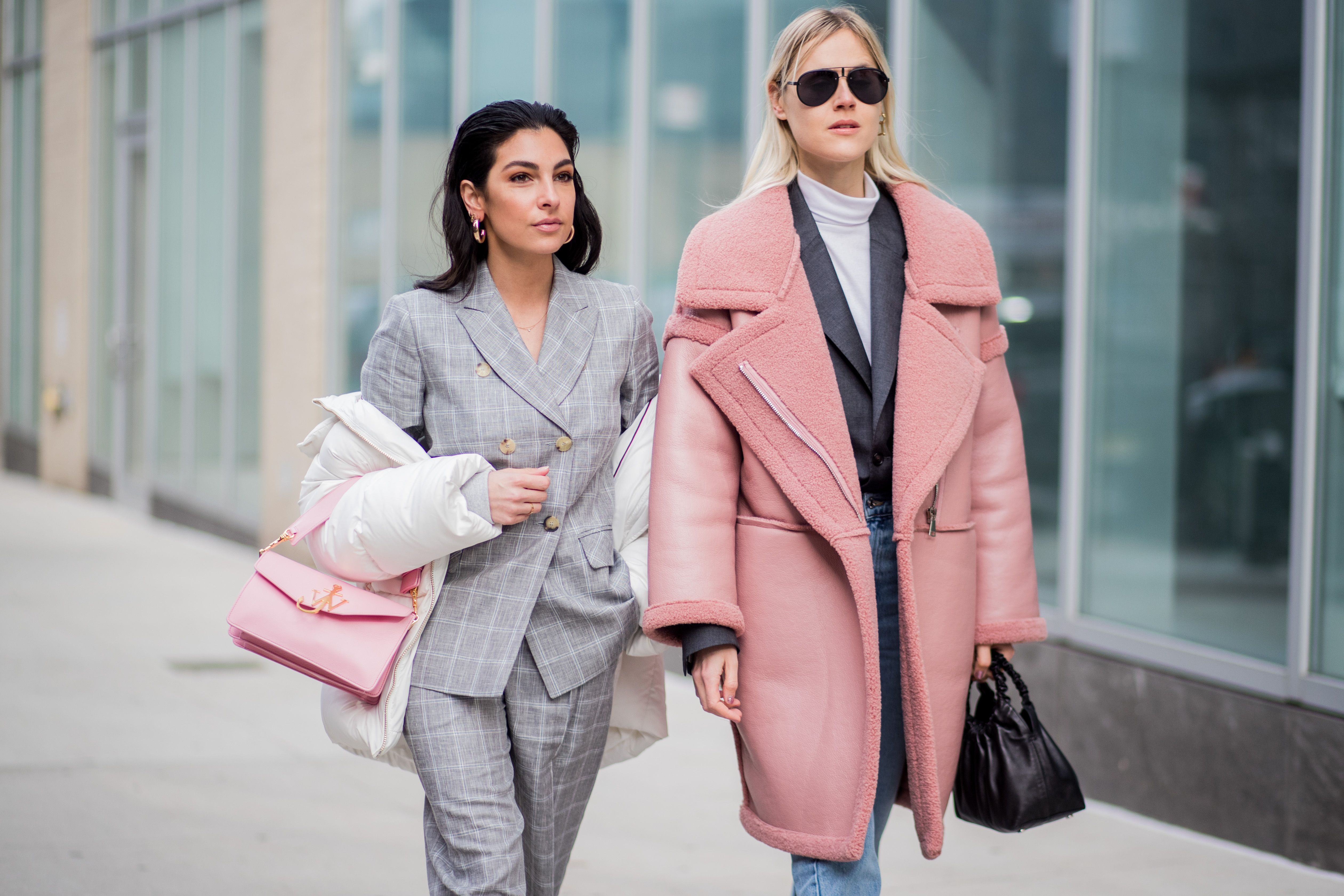 5 Stylish Winter Outfits to Wear When You Take That Snowstorm Selfie