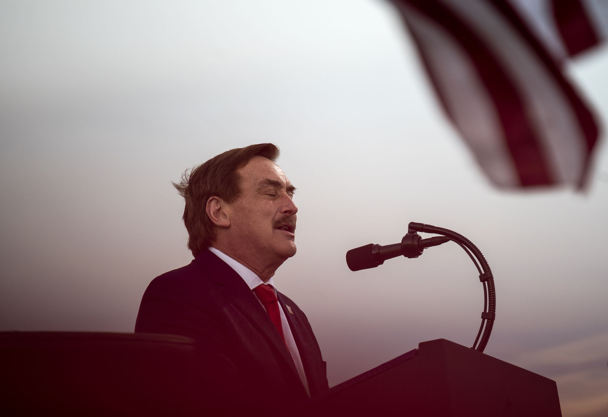Mypillow Guy Mike Lindell Pushes Trump Election Fraud Conspiracies While Selling Pillows