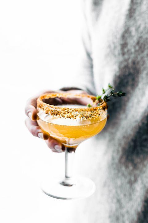 Champagne cocktail, Drink, Classic cocktail, Alcoholic beverage, Wine cocktail, Cocktail, Champagne stemware, Distilled beverage, Food, Cocktail garnish,