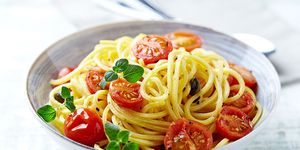 Linguine pasta with tomatoes