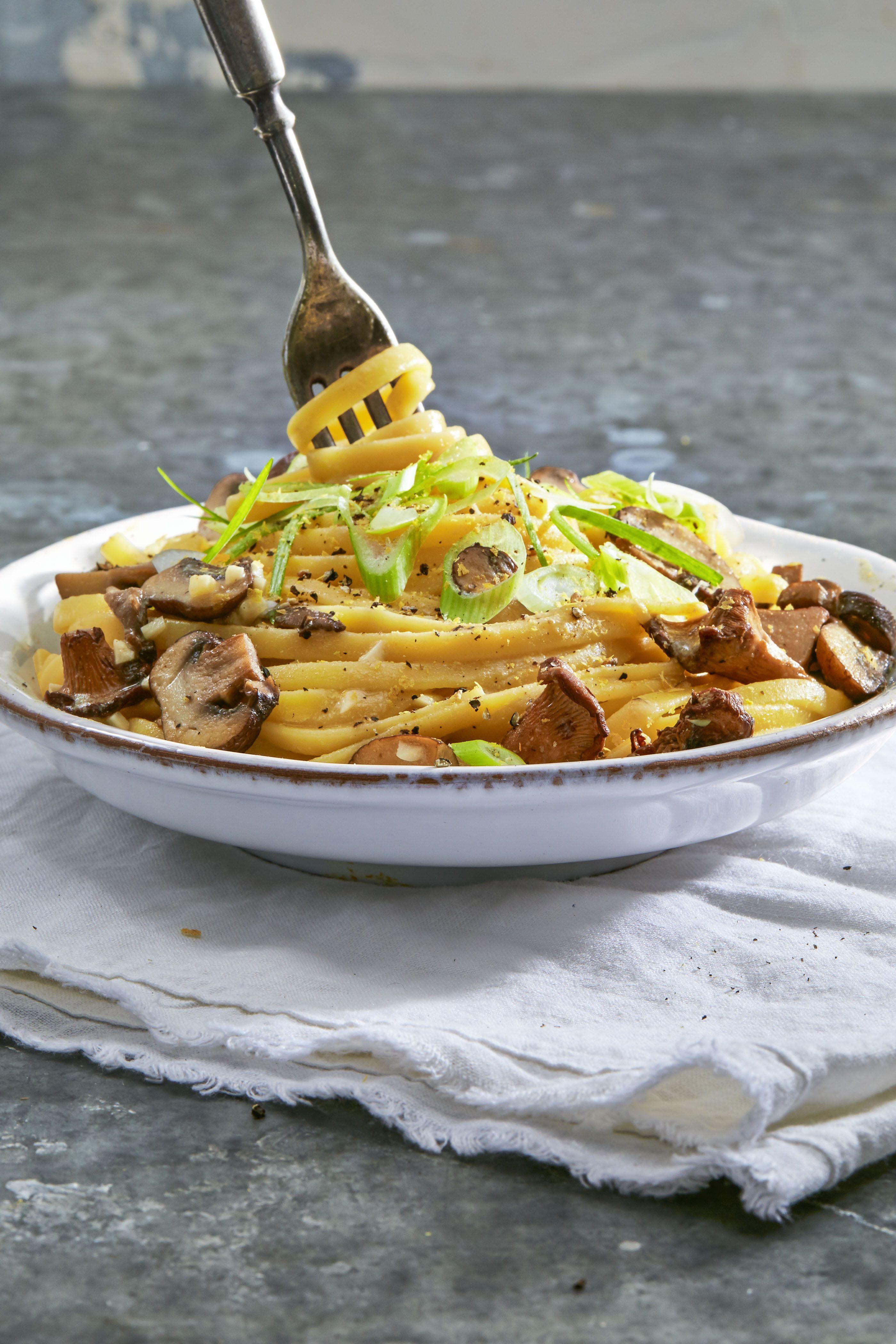creamy vegan linguine with wild mushrooms - vegan thanksgiving recipes