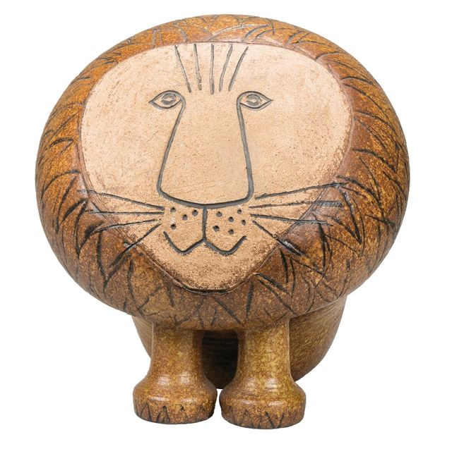 〈右〉ライオン(アフリカシリーズ)製造1968年〜現在 〈左〉ネコ(ユニークピース)1970年頃 ©︎Lisa Larson/Alvaro Campo