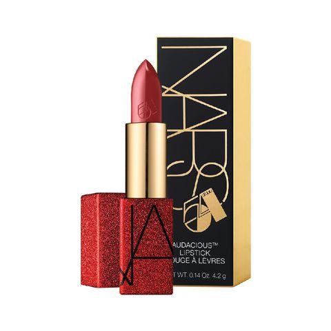 een selectie van de mooiste lippenstiften voor de feestdagen, in allerlei kleuren