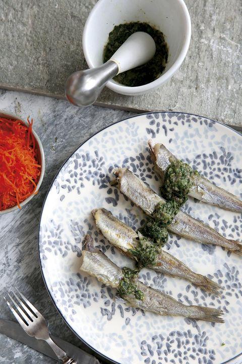 Lirios con salsa de anchoas