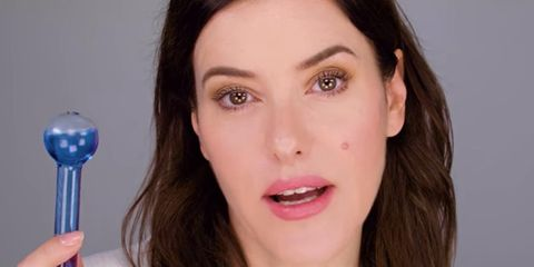 Lisa Eldridge using the Eyecicle