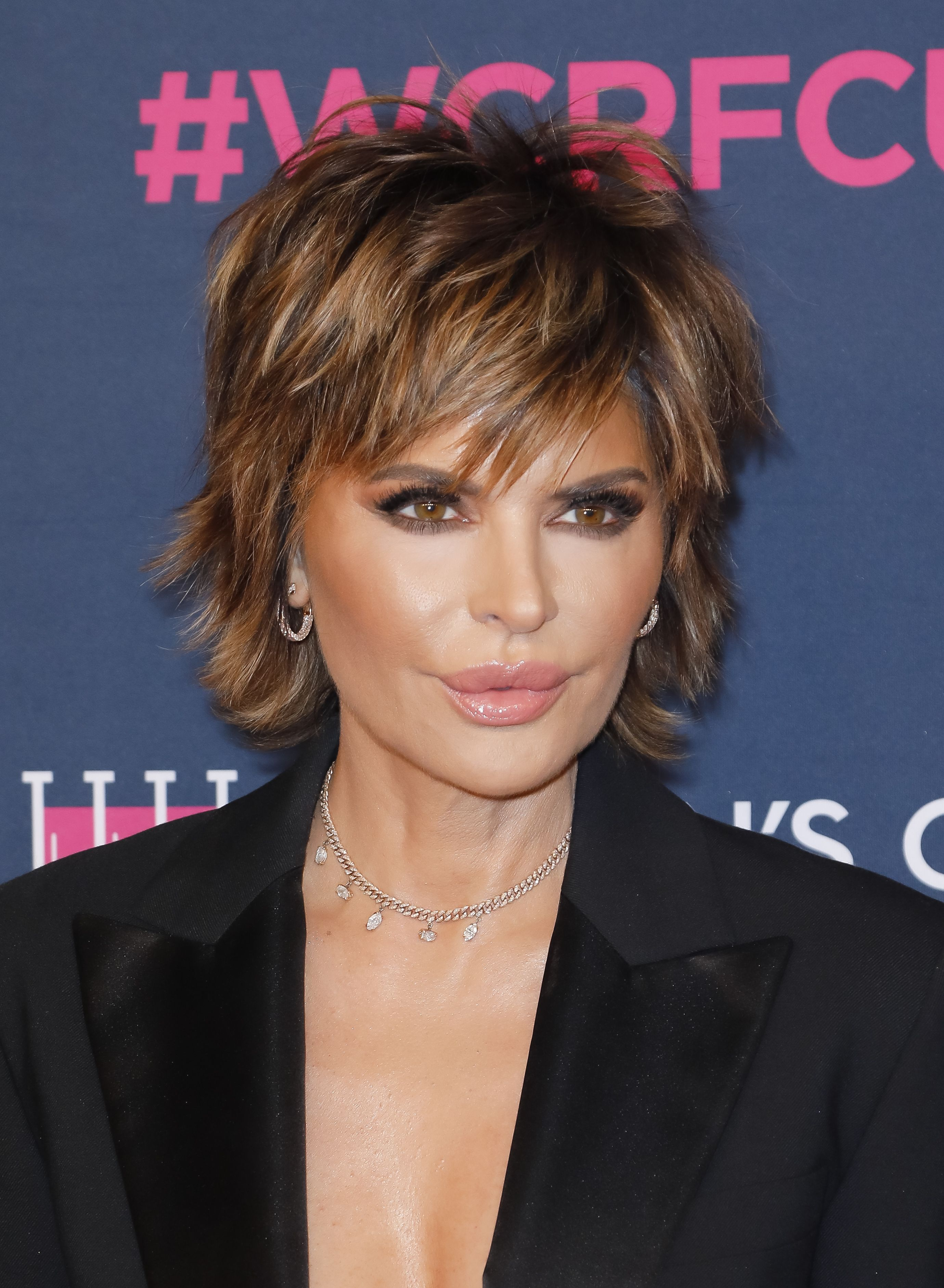 Lisa Rinna Shares Nude Throwback Photo From Second Pregnancy