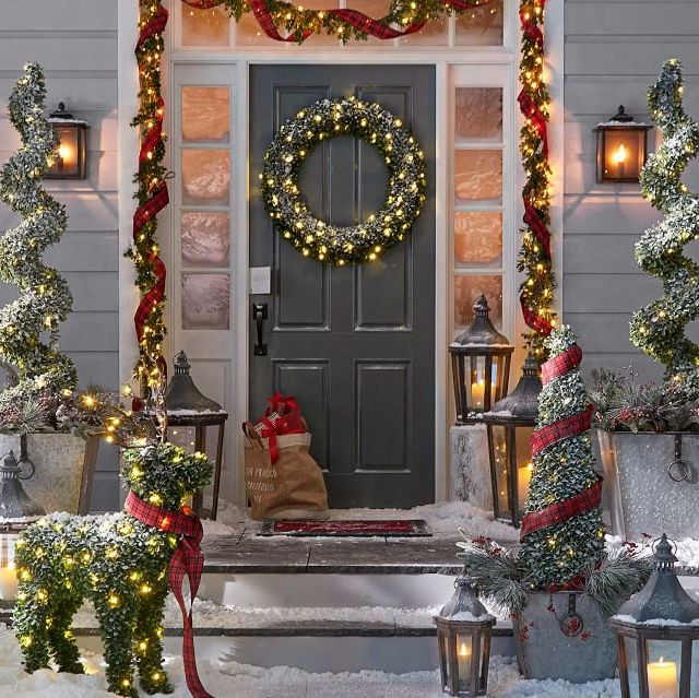 Christmas Home Decor 2019.Pottery Barn S 2019 Holiday Collection Is Truly Magical