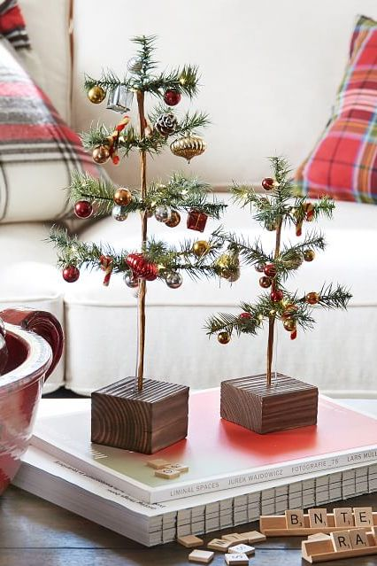 christmas decorating ideas ornament pine trees