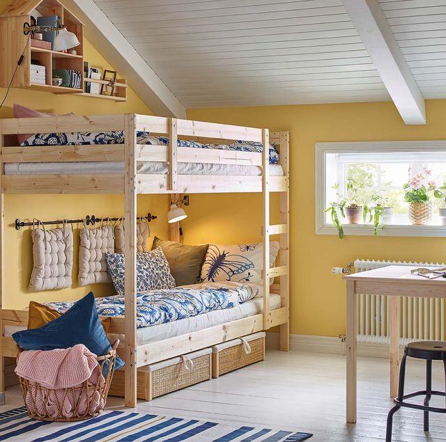Room, Furniture, Interior design, Building, Property, Ceiling, Bed, House, Floor, Home,