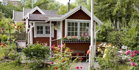 22 Diy Backyard Greenhouses How To Make A Greenhouse