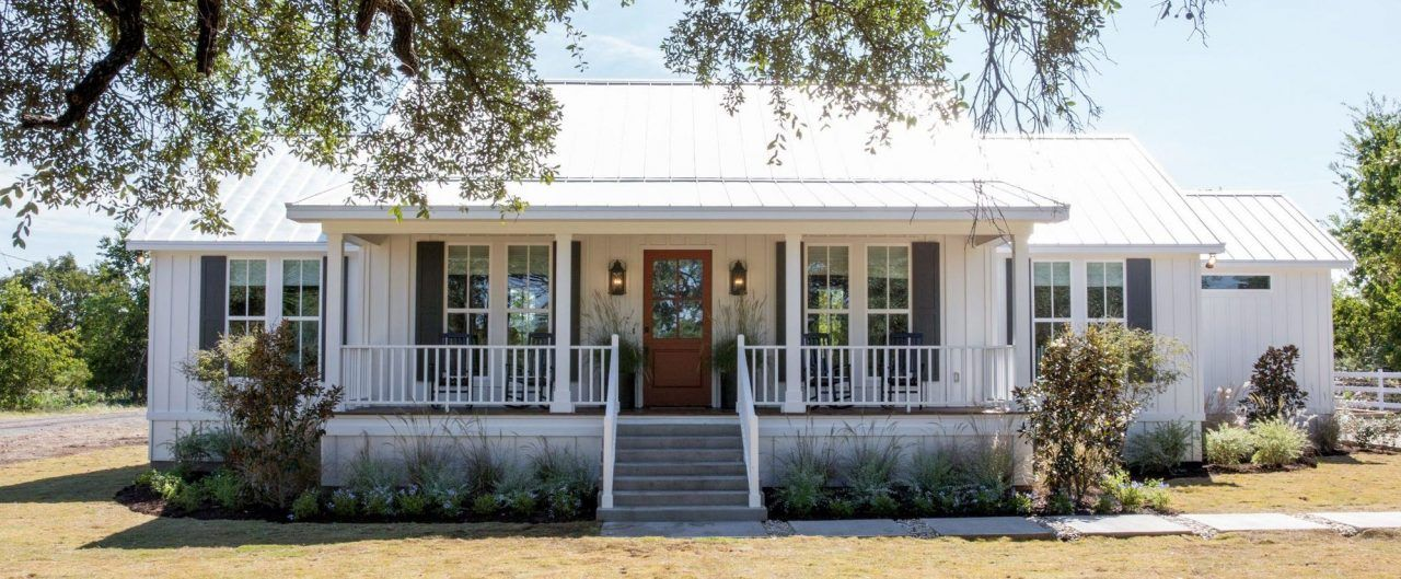"""The Little Shack on the Prairie"" from Season 4 of Fixer Upper Is a Kid's Paradise"