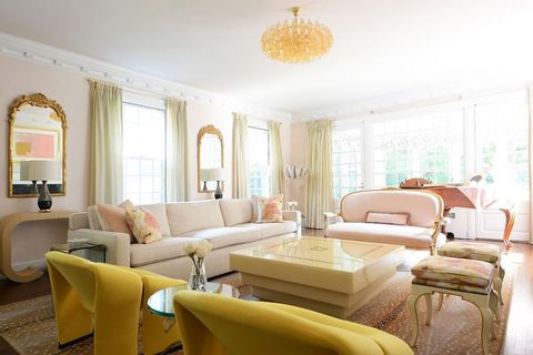 Living Room Color Palette Ideas - How to Use Color in a ...