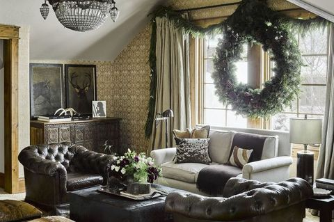 Living room, Room, Furniture, Interior design, Couch, Property, Wall, Ceiling, Building, Home,