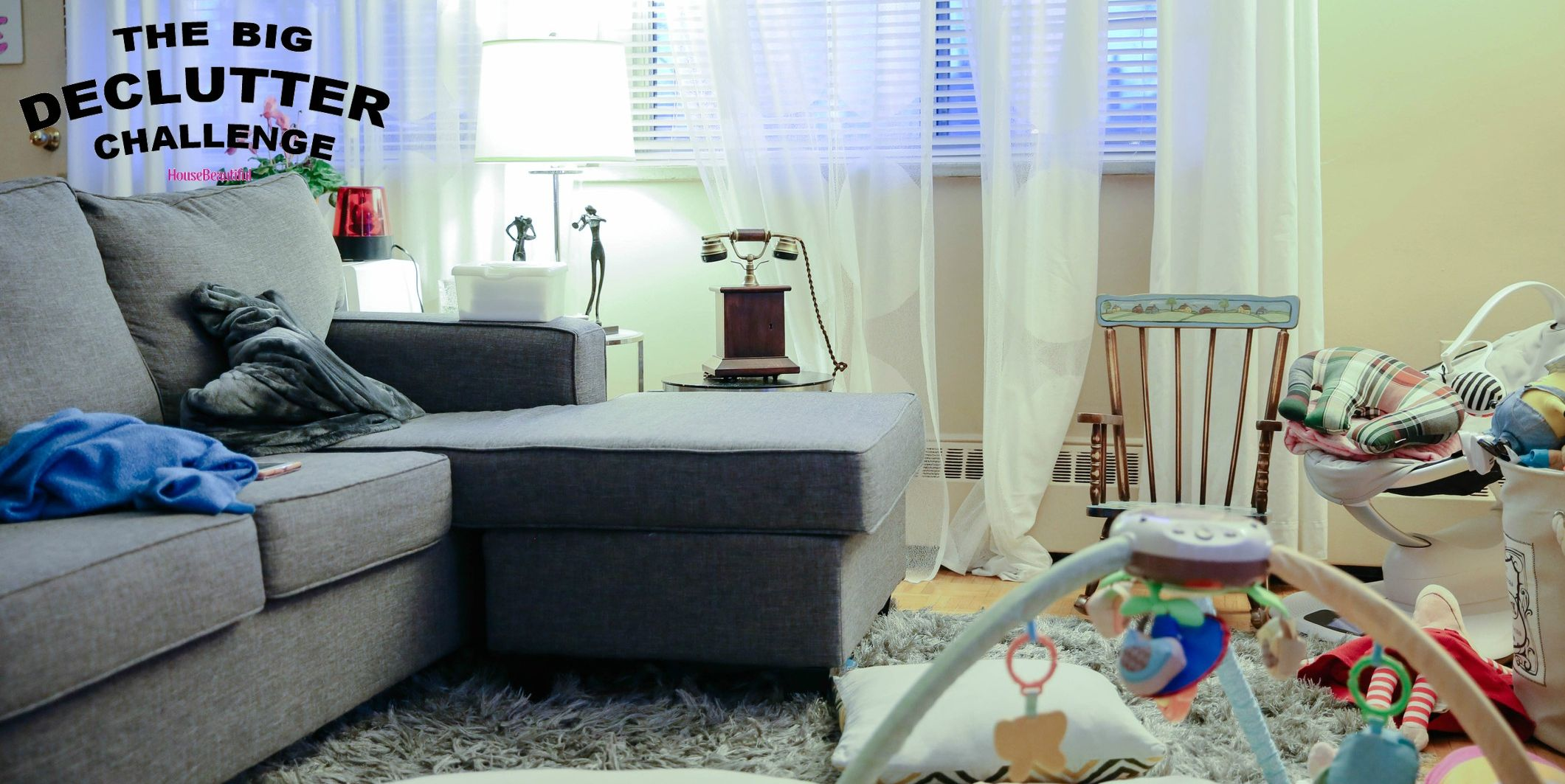 Living room with blankets and kids toys