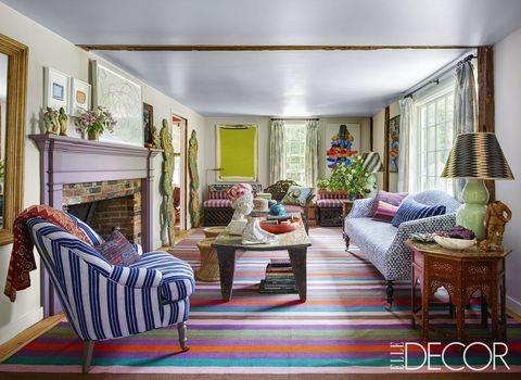https://hips.hearstapps.com/hmg-prod.s3.amazonaws.com/images/living-room-ideas-03-1506606537.jpg?crop=1xw:1xh;center,top&resize=480:*