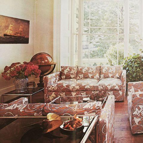 phòng khách trong suốt những năm 1970