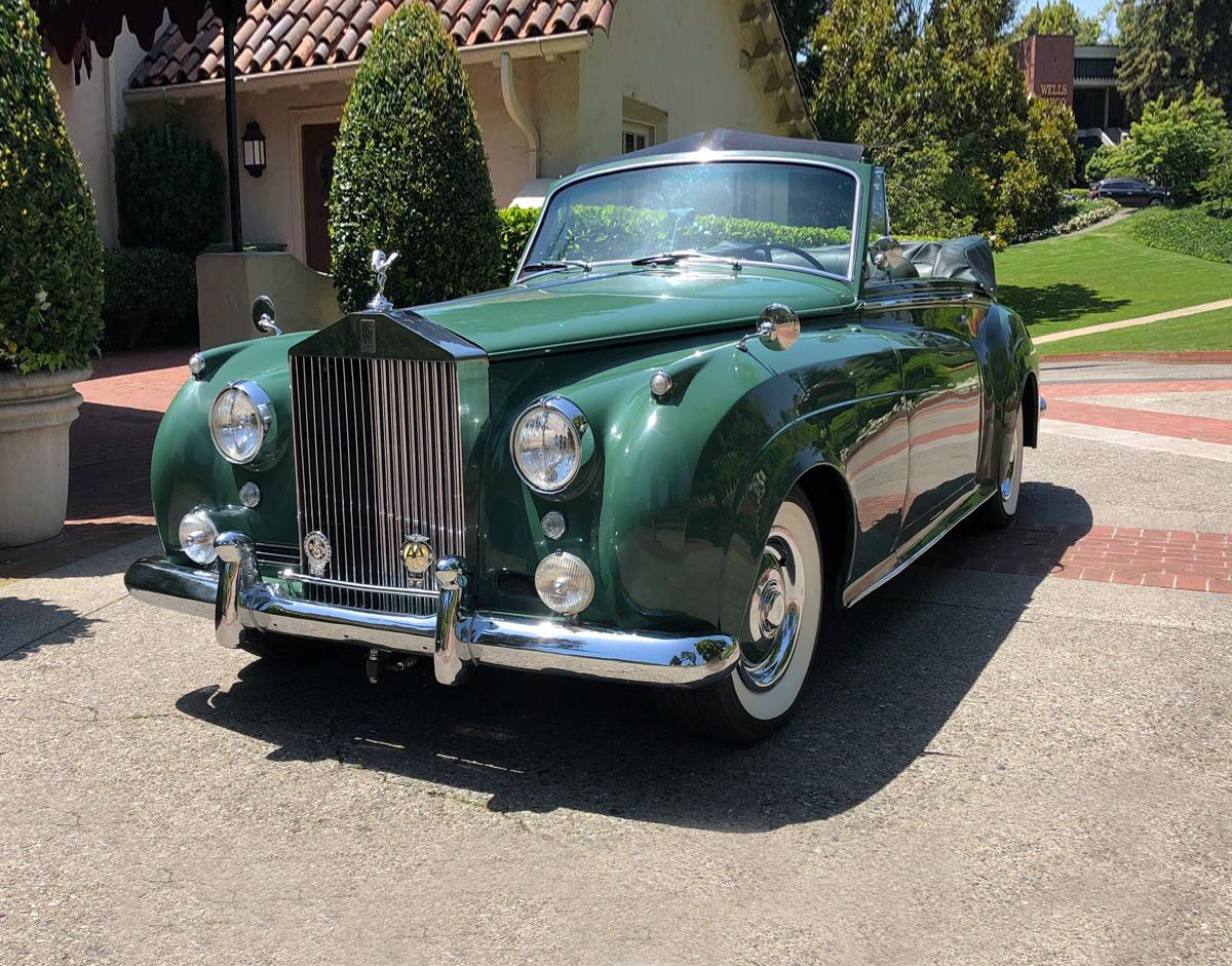 """Elizabeth Taylor's """"Green Goddess"""" Rolls Royce Is Up for Auction"""