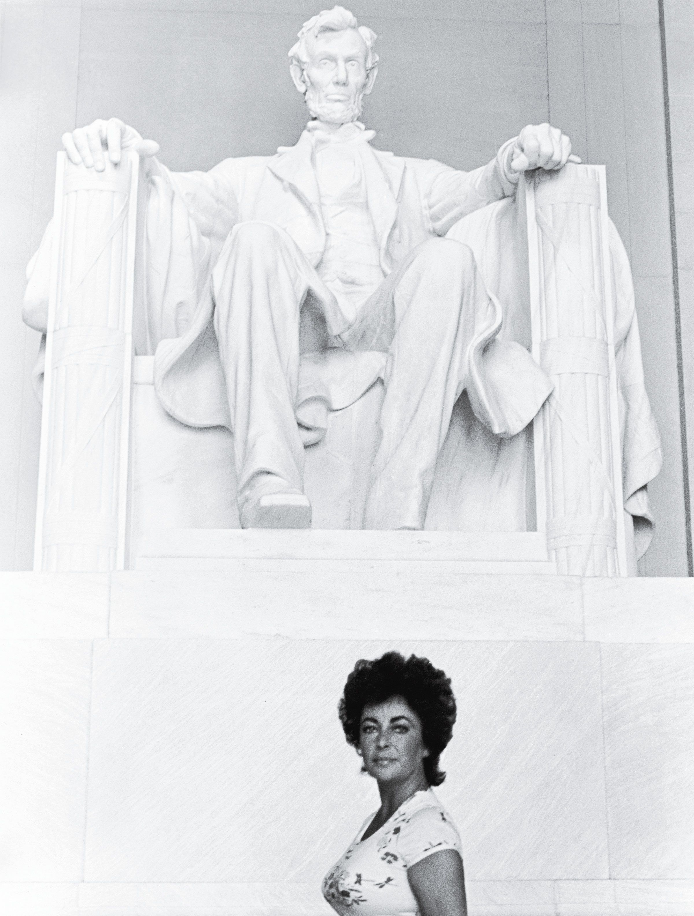 ​Elizabeth Taylor at the Lincoln Memorial in 1976.