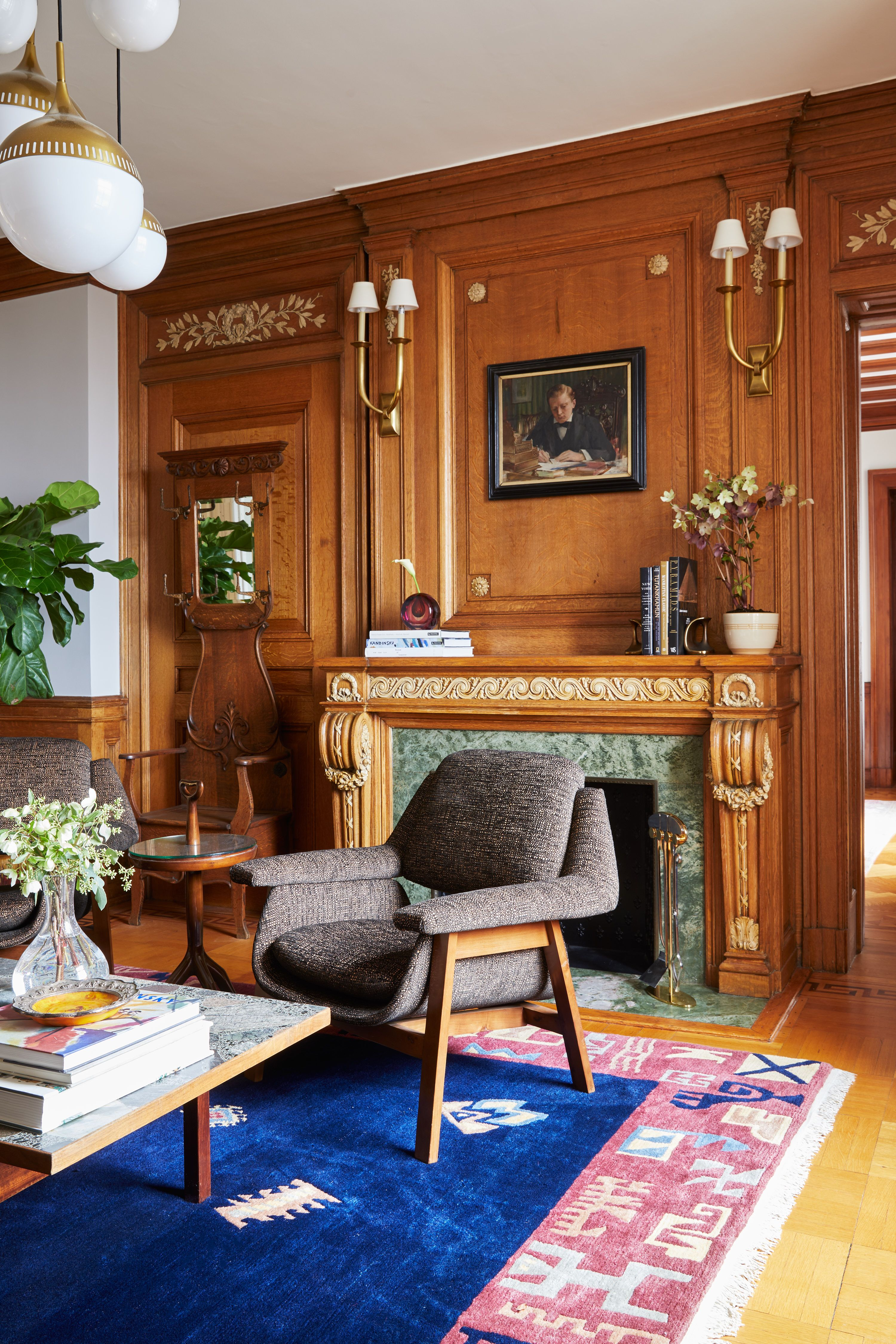 This 100-Year-Old Apartment Is Anything But Stuffy