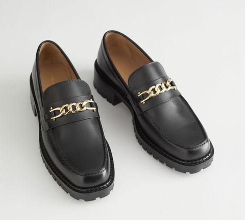 zwarte loafers met gouden ketting, plateauzool, grove zool, leren loafer, loafer met hak