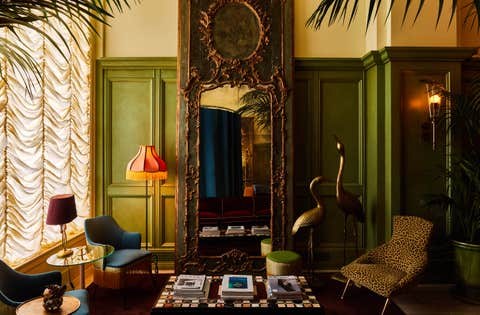 Room, Green, Interior design, Living room, Furniture, Building, Wall, House, Couch, Table,