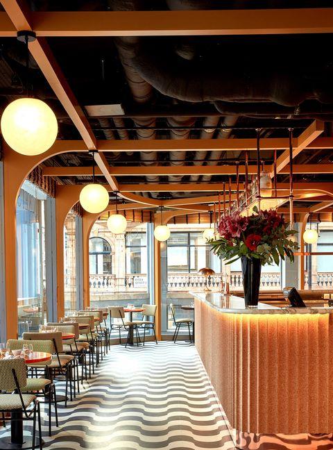 Locket's cafe and wine bar St James