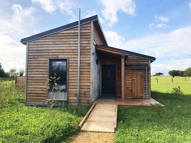 cotswold farm park lodge