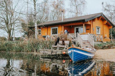 9 lodge holidays uk   best log cabin holidays uk