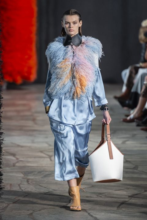 Loewe, Loewe Women SS 19, primavera estate 2019, real time women SS 19, fashion week, Paris fashion week
